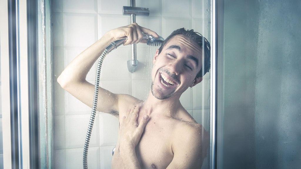 Pee room shower 4