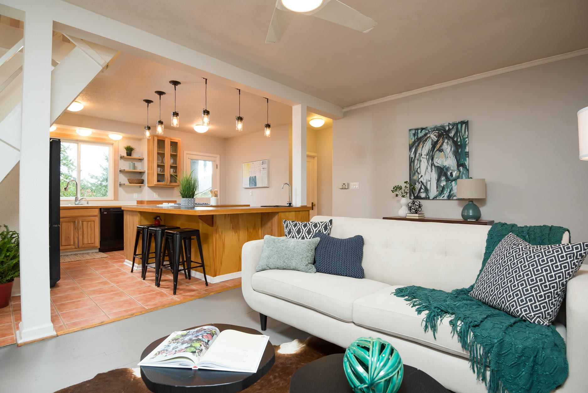 Lofty lifestyle available now in multnomah village living room realty portland real estate for Living room realty portland or