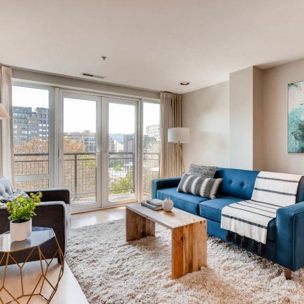 Ross Seligman Principal Broker At Living Room Realty - Living-room-realty-exterior