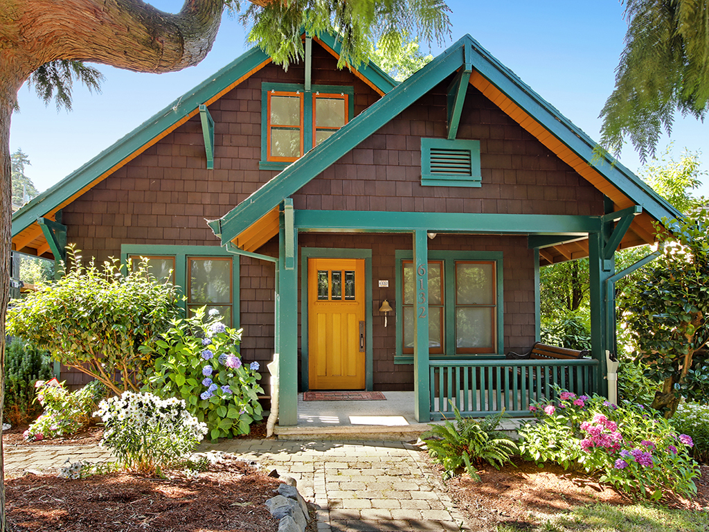 Charming Mt Tabor Bungalow