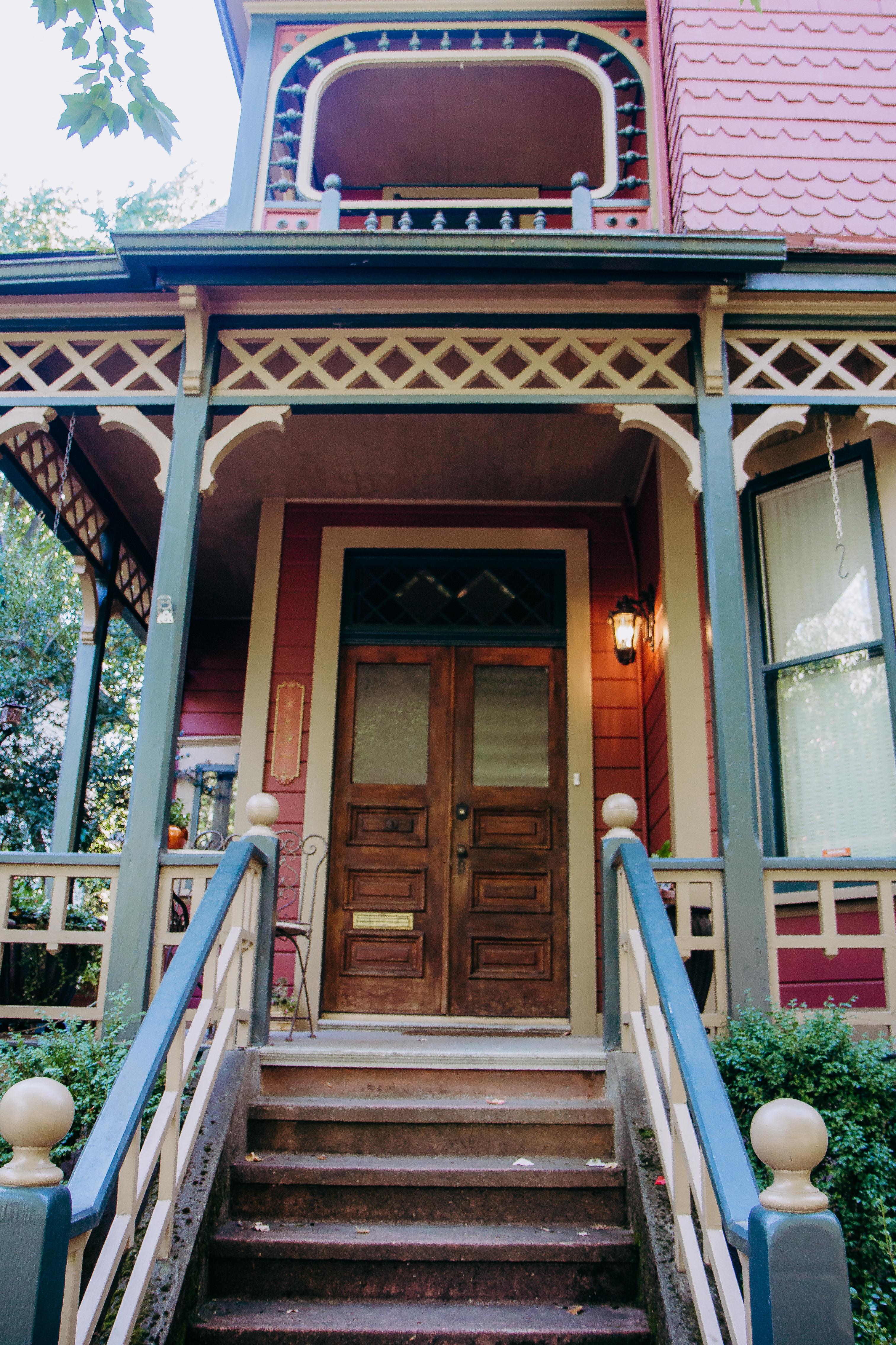 Victorian Porch in Nob Hill Portland
