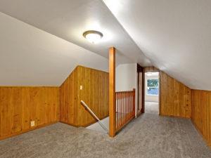 Rocky Butte 4 Bedroom has Bonus Landing Area