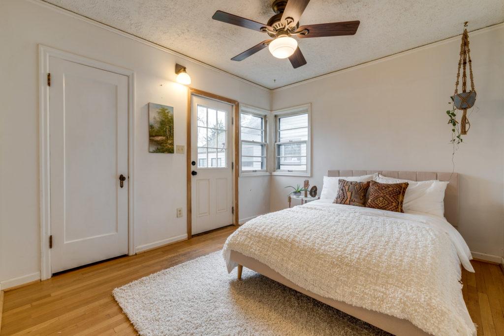 Arbor Lodge Bungalow Bedroom