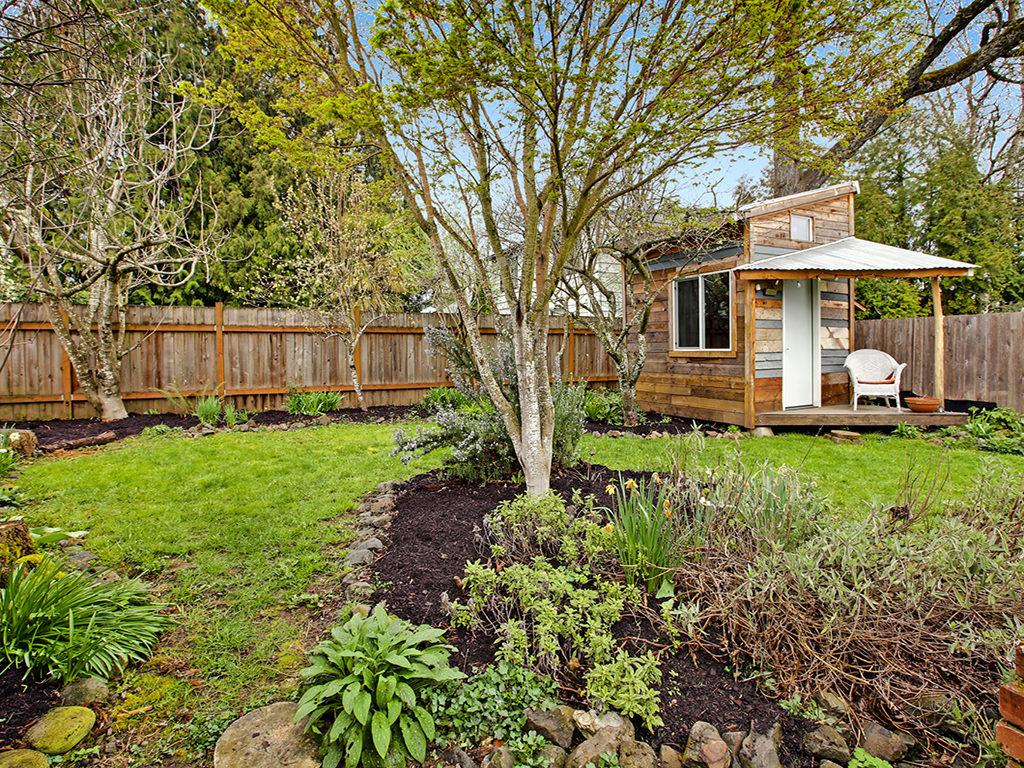 Garden Magic Back Yard