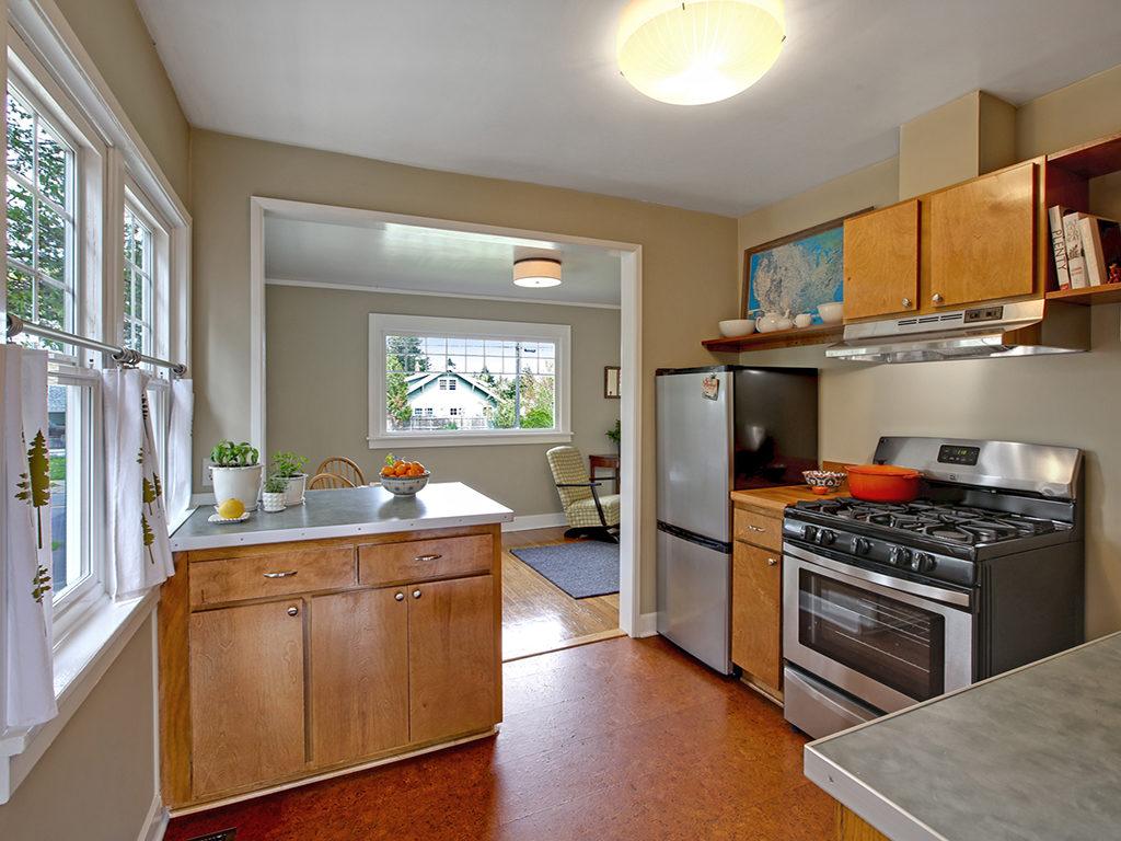 Concordia Cottage Updated Kitchen