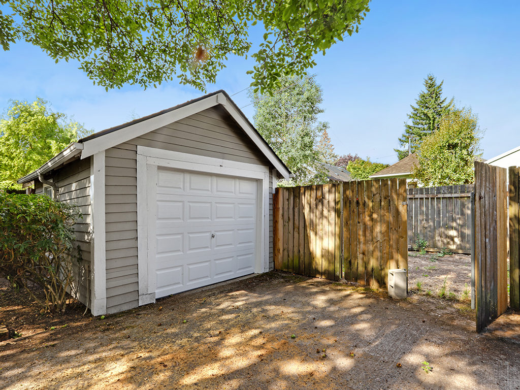 Detached Garage with Alley Access