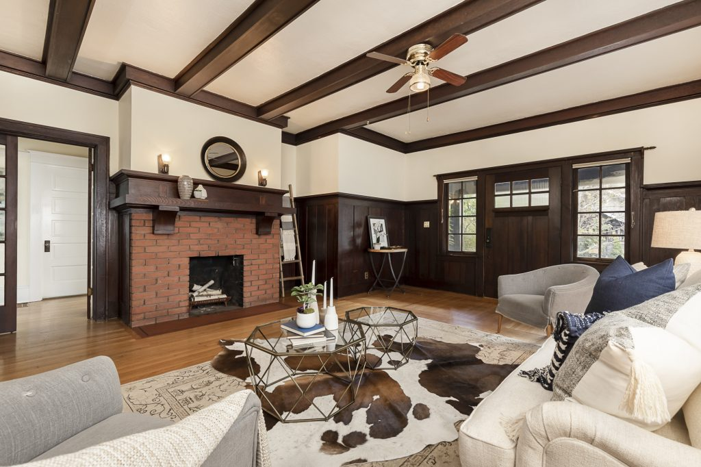 Just Sold, Hollywood Craftsman - Living Room Realty
