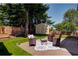 Sherwood cottage backyard